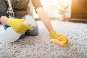 Como lavar tapete